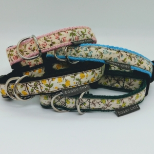pink mini flowers collar for your dog